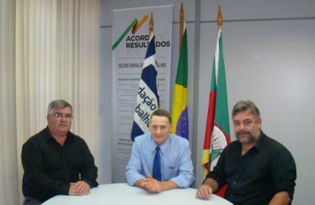 Prefeito Sávio Prestes protocola na FGTAS pedido de reabertura do Balcão Cidadão.