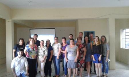 Servidores Municipais participam de Curso sobre Licitações e Contratos