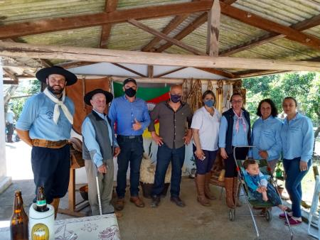 Vice-prefeito e Secretário de Turismo e Cultura prestigiam Festejos Farroupilhas do Ibaré